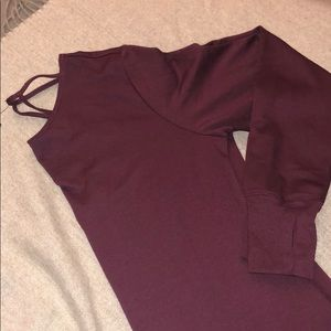 NWT WINE PULLOVER